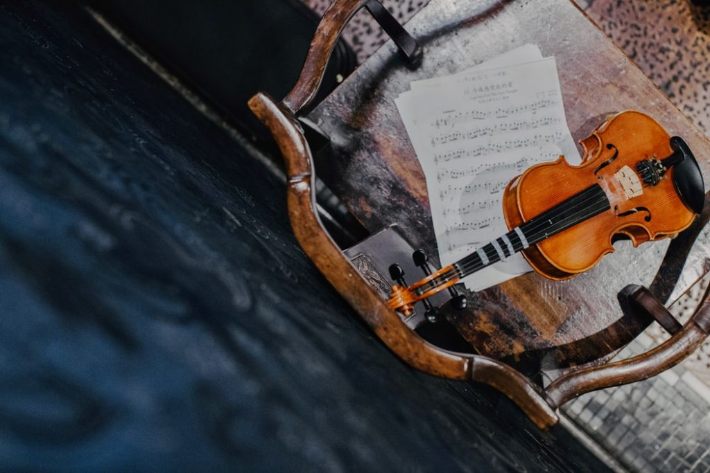 What Is The Difference Between A Fiddle And A Violin 10
