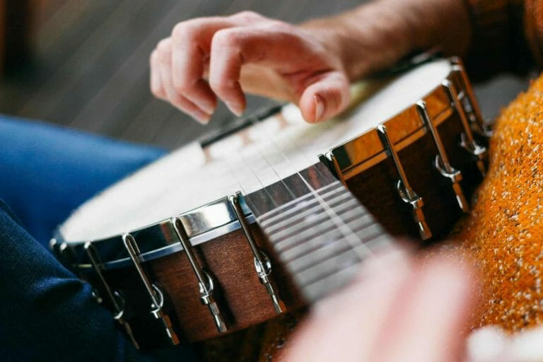 How to Choose a Banjo What is the easiest string instrument to learn