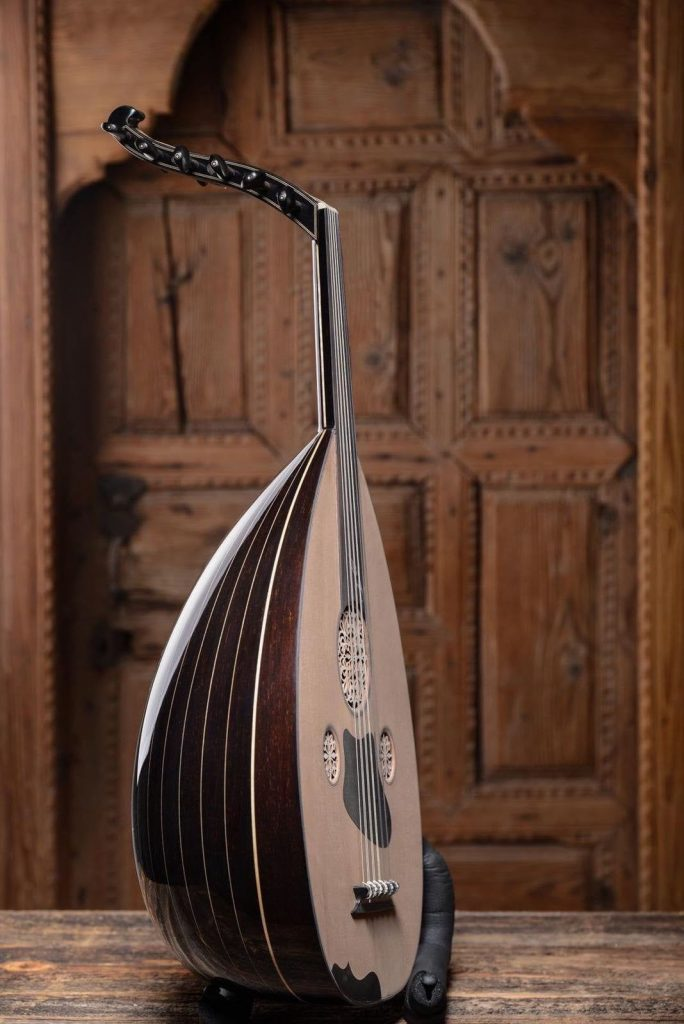 how hard is it to play the Oud Instrument